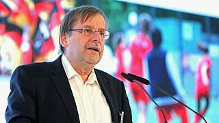Koch stellt DFL Fahrplan zum Bundestag vor