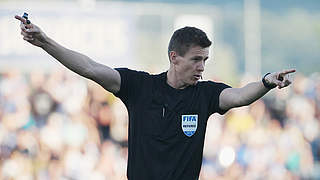 Siebert pfeift Paderborn gegen Dortmund
