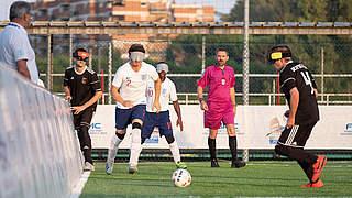 Blindenfußballer: Knappe EM-Auftaktniederlage gegen England