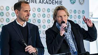 Voss-Tecklenburg und Chatzialexiou bei FIFA-Konferenz zur WM