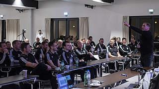 Kuntz bei Elite-Schiedsrichtern: Man fühlt einen guten Teamspirit