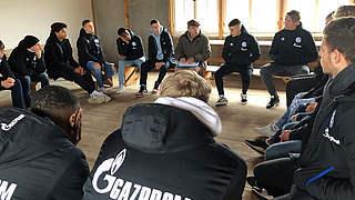 Schalke besucht KZ-Gedenkstätte Dachau
