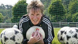 Tina Theune: Ein Leben für den Fußball