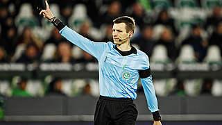 Cortus pfeift Derby Köln gegen Düsseldorf