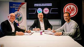 Eintracht und 1. FFC Frankfurt fusionieren: Starkes Zeichen