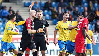 Ein Spiel Sperre für Eintracht Braunschweigs Felix Dornebusch
