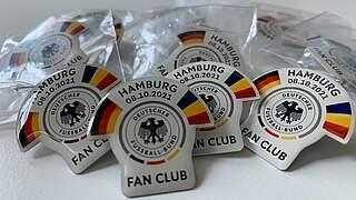 Spieltags-Pins in Hamburg: Mehr als 850 Euro für den guten Zweck