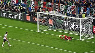 Hectors Elfer vs. Italien: Auf dem Weg zweimal umentschieden