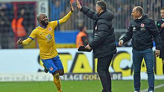 Kumbela schießt Braunschweig an die Spitze