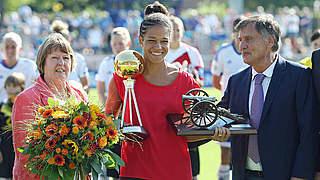 Sasic als Torschützenkönigin und Fußballerin des Jahres geehrt